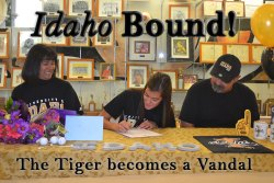 Dani Kinder (center) signs letter-of-intent to play golf at the University of Idaho. Her parents, Rosie Madrigal and Ed Kinder, look on.
