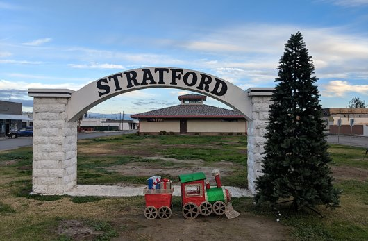 Stratford's community organization, Reestablishing Stratford brightens up the community's archway thanks to a donation from Adventist Health.
