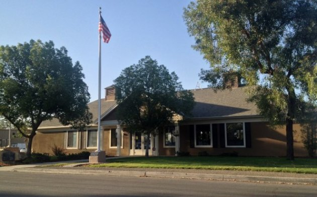 Lemoore Golf Course club house